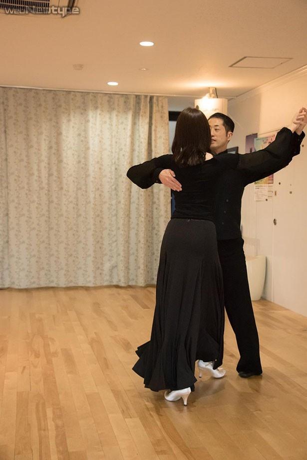 青木瑠璃子、来るべき日のために…踊る!