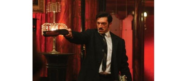 「社会の敵No.1」称される犯罪王に扮したヴァンサン・カッセル