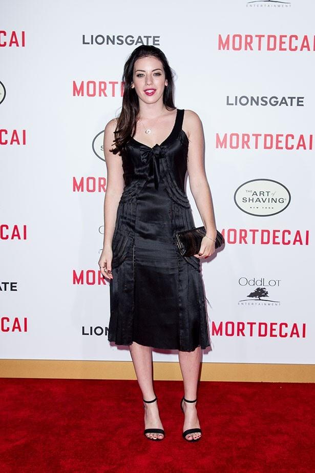 クララ・マクレガーは、ヴォーグ誌「2017年の注目モデル」にも選ばれている