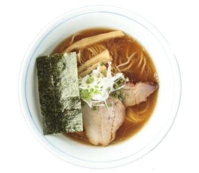 鶏と魚介のバランスがうまい!「醤油らーめん」(700円/麺処 びぎ屋)