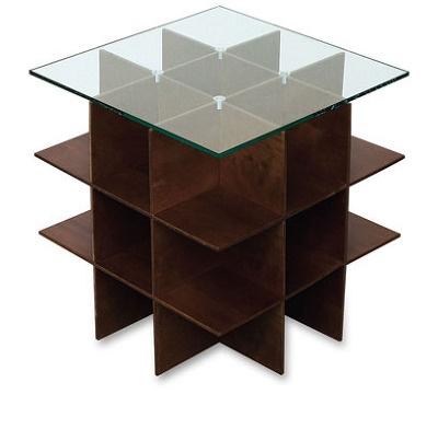 量産型の家具にとどまらず、公共施設やブライダル用のオーダーメイド品などに幅広く対応している「多田木工製作所」のコーヒーテーブル パズル(20,790)。複雑に切り込みの入った6枚の木版とガラスの天板が組み合わされている