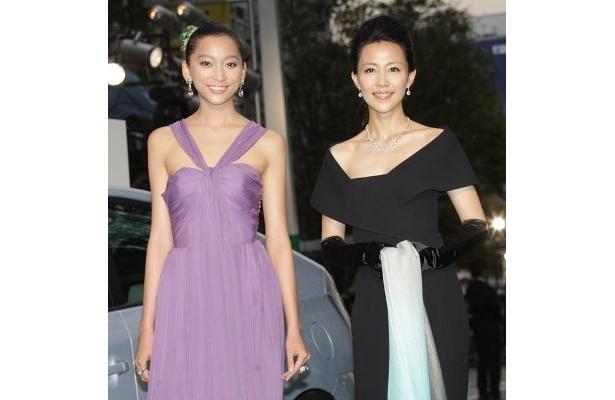 映画祭大使の木村佳乃(右)と、グリーン・アンバサダーの杏