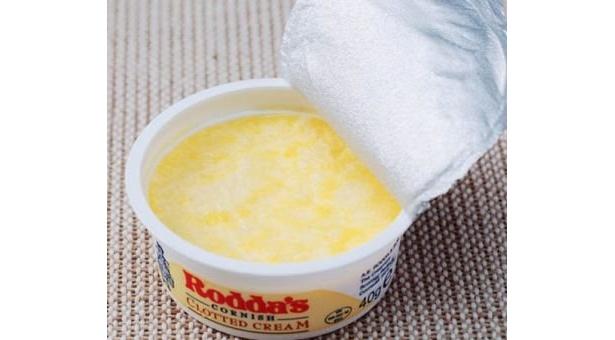 「ベノア」の人気ベスト2のクロテッドクリーム(420円)。コクのある味わいのなめらかなクリーム。プレーンのスコーンにつけて召し上がれ