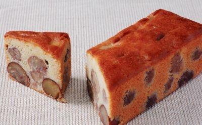 丹波産とイタリア産のクリが入った贅沢なケーキ、「足立音衛門」の栗のテリーヌ「天」(1本1万500円)。讃岐和三盆糖やラヴィエット発酵バターなどこだわりの素材が絶妙なバランスで組み合わさっている