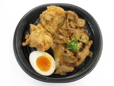 【写真を見る】一宮市が地域をあげて推しているどてカラ丼。名古屋名物「どて丼」と、カラ揚げを組み合わせた個性的な一品