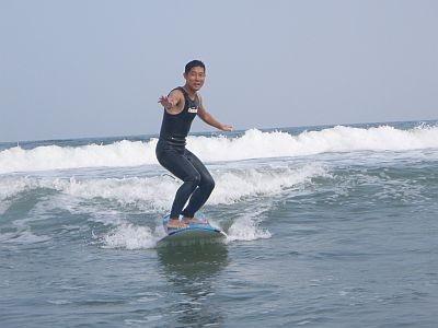 サーフィンも! 海ではほかにカヤックツアーやビーチランなども実施/BEACH HAYAMA OUTDOOR FITNESS CLUB