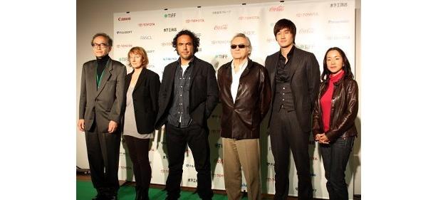 左から:松本正道、キャロリーヌ・シャンプティエ、イニャリトゥ監督、イエジー・スコリモフスキ監督、ユ・ジテ、原田美枝子