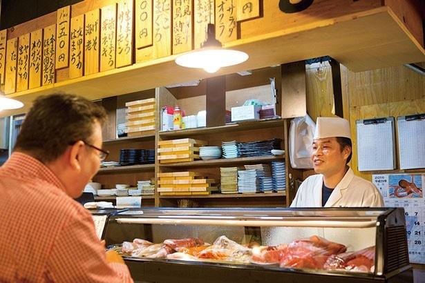 本格的なにぎり寿司を気軽に立ち食いで味わえる/立ち寿司 まぐろ一徹 京橋店