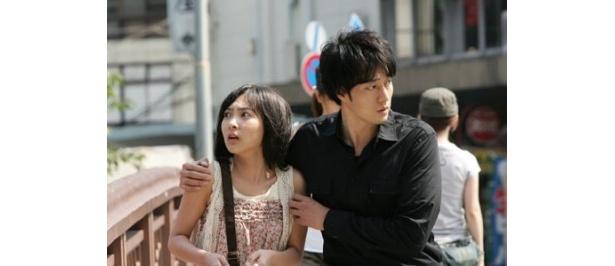 日韓人気俳優が緊張感溢れるアクション・ドラマで共演