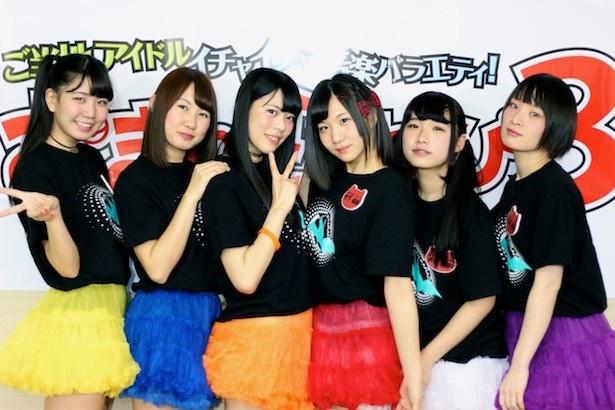 インタビューリレー企画の第1弾は、大阪発の6人組アイドルグループ・天空音パレードが登場