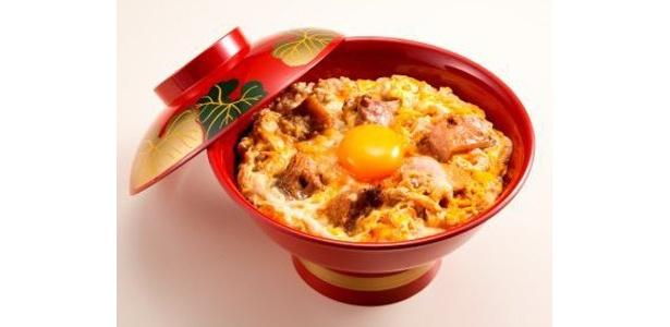 「究極の名古屋コーチン親子丼」は1800円予定(味噌汁、漬物付)。 「鳥開総本家」より