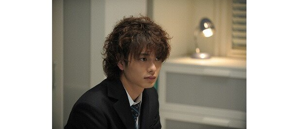 端正なマスクの岡田将生は逞役にぴったり