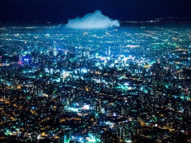 【写真を見る】札幌夜景コンテスト2016年グランプリ「すすきのの熱気が産んだ雲」
