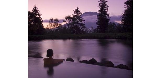 羊蹄山を眺めながら天然温泉でリラックス