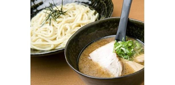 「屋台 つけ麺」のつけ麺(普通盛り)。半額の場合390円